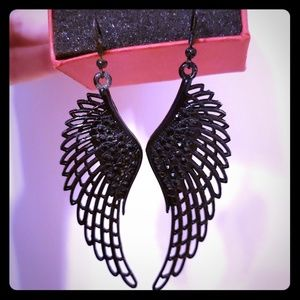 GUESS Angel Wings Black Earrings